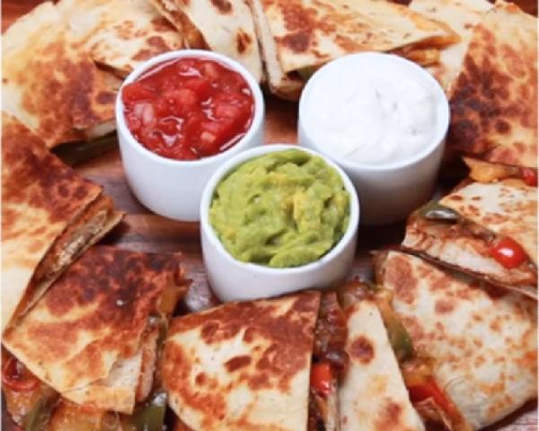 Chicken Fajita Quesadillas Recipe & Tutorial