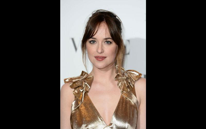 'Fifty Shades Darker' Cast: Dakota Johnson, Jamie Dornan, & More