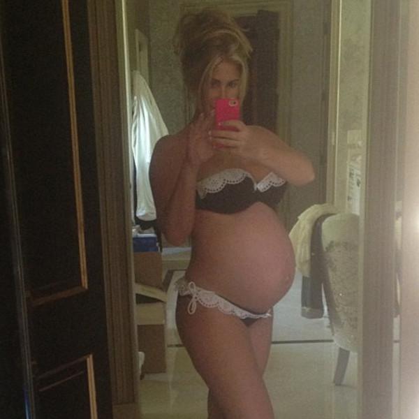 Pregnant Belly? Jessica Simpson Shows Off Bikini Body With