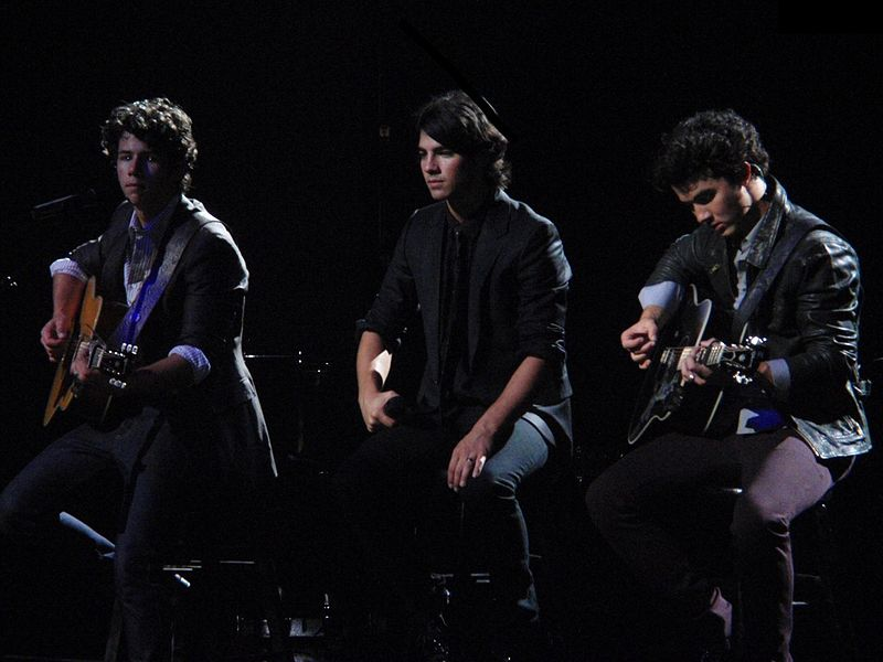Jonas Brothers Break Los Angeles Real Estate Record with New Homes!