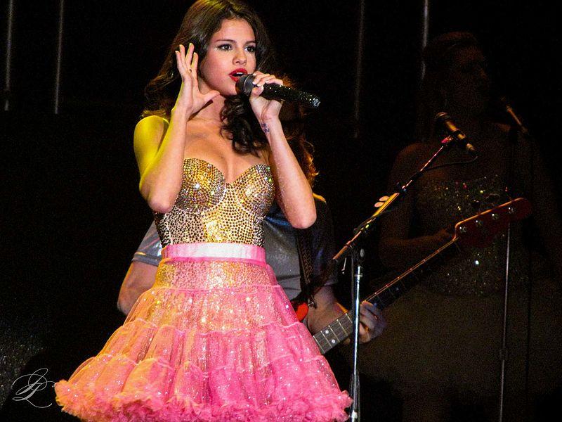 Selena Gomez releases Feel Me
