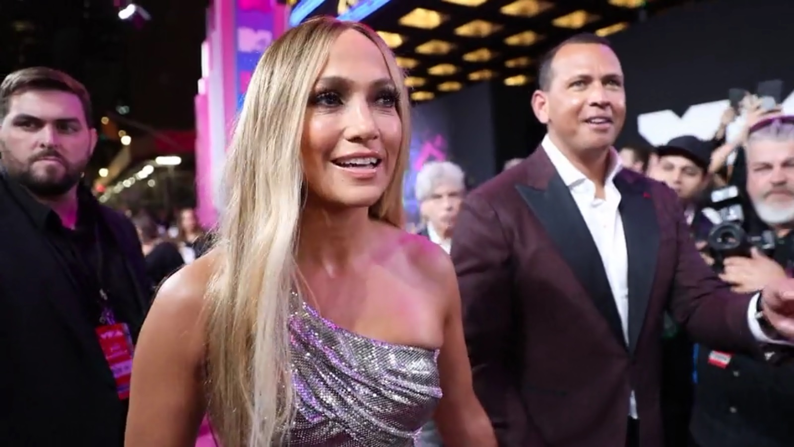 Jennifer Lopez and Alex Rodriguez trade places in viral TikTok challenge
