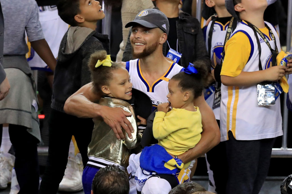 Stephen Curry's Daughters Show Off Epic Dance Moves in Awesome Video [WATCH]
