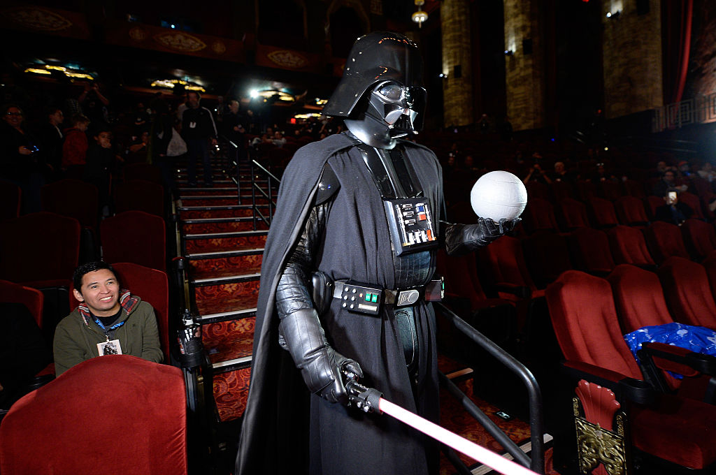 Darth Vader Desperation: 'Star Wars' Actor Forced To Go Back To Old 'Dirty' Job?