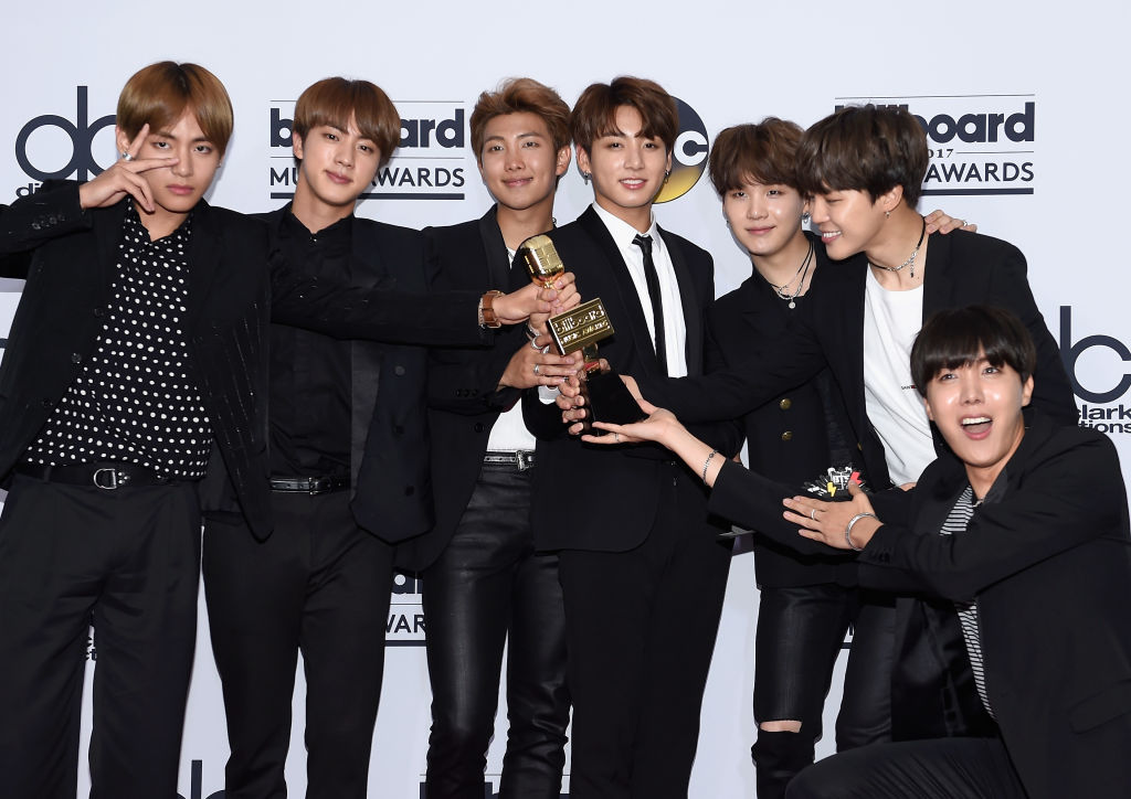 2021 Grammy Awards Prediction: Why BTS 'Dynamite' Should ...