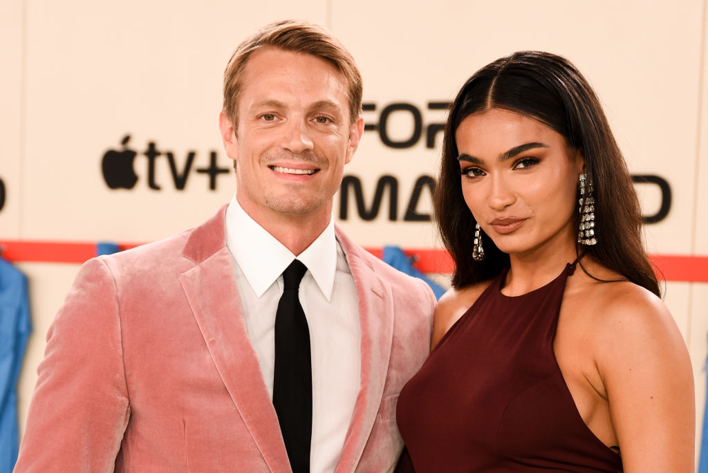 Kelly Gale and Joel Kinnaman are now engaged