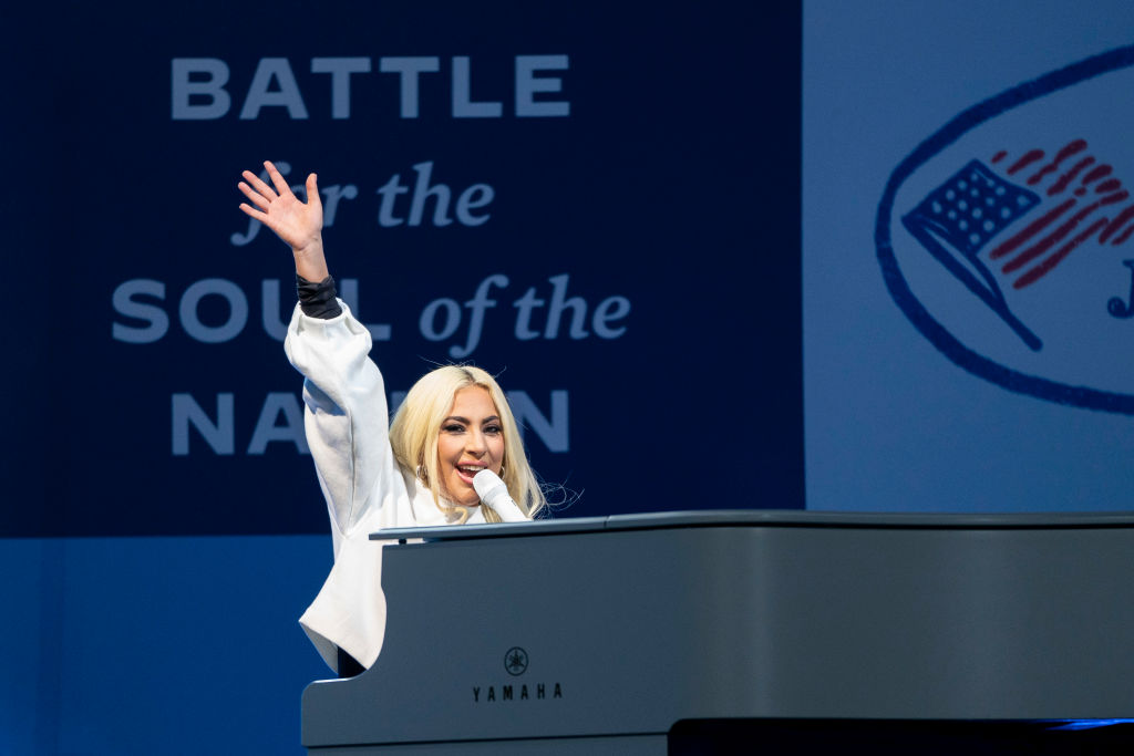 Lady Gaga's Star Wars-like look goes viral