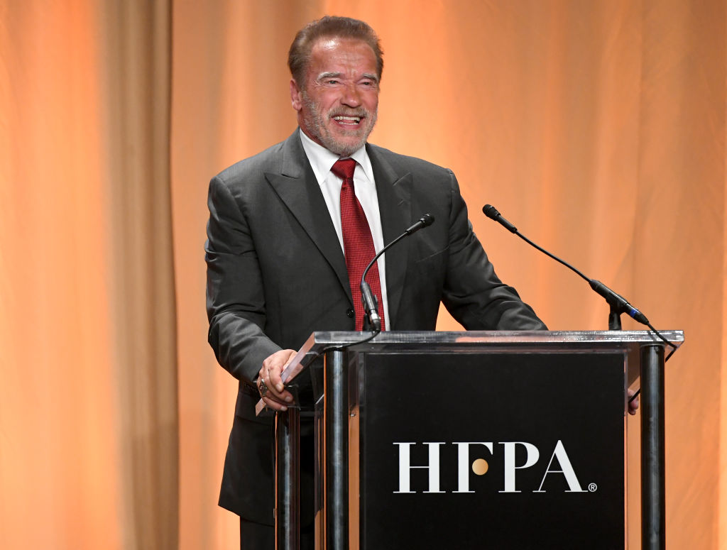 Arnold Schwarzenegger gets the COVID-19 vaccine