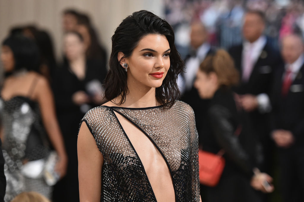 Kendall Jenner exclusively dating Devin Booker