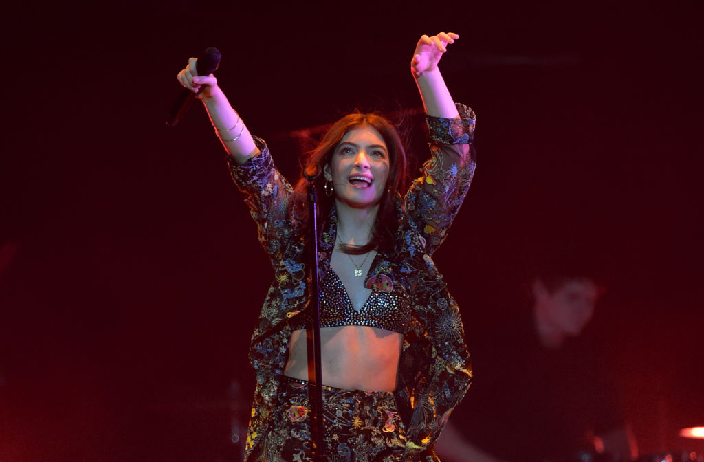 Lorde's New Album Rumor Make Fans Laugh About Back-To-Back Comeback Singles