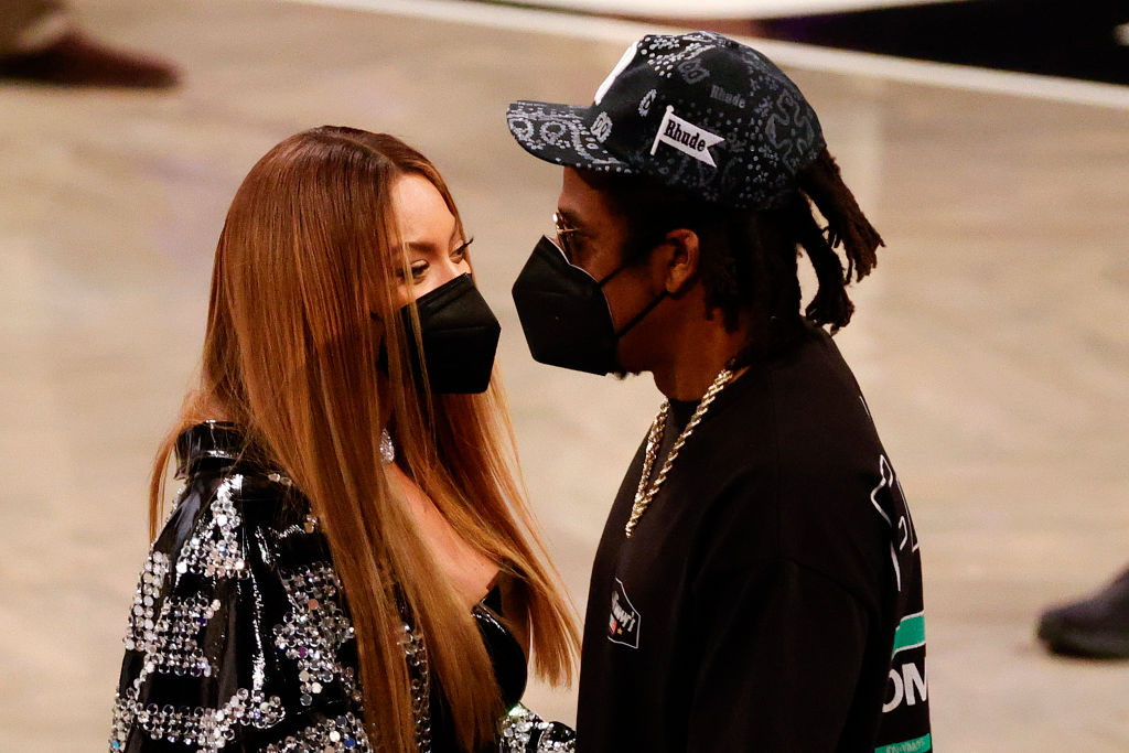 Beyoncé Goes Through Anxiety In Public? Mother Tina Knowles Slams False Claims