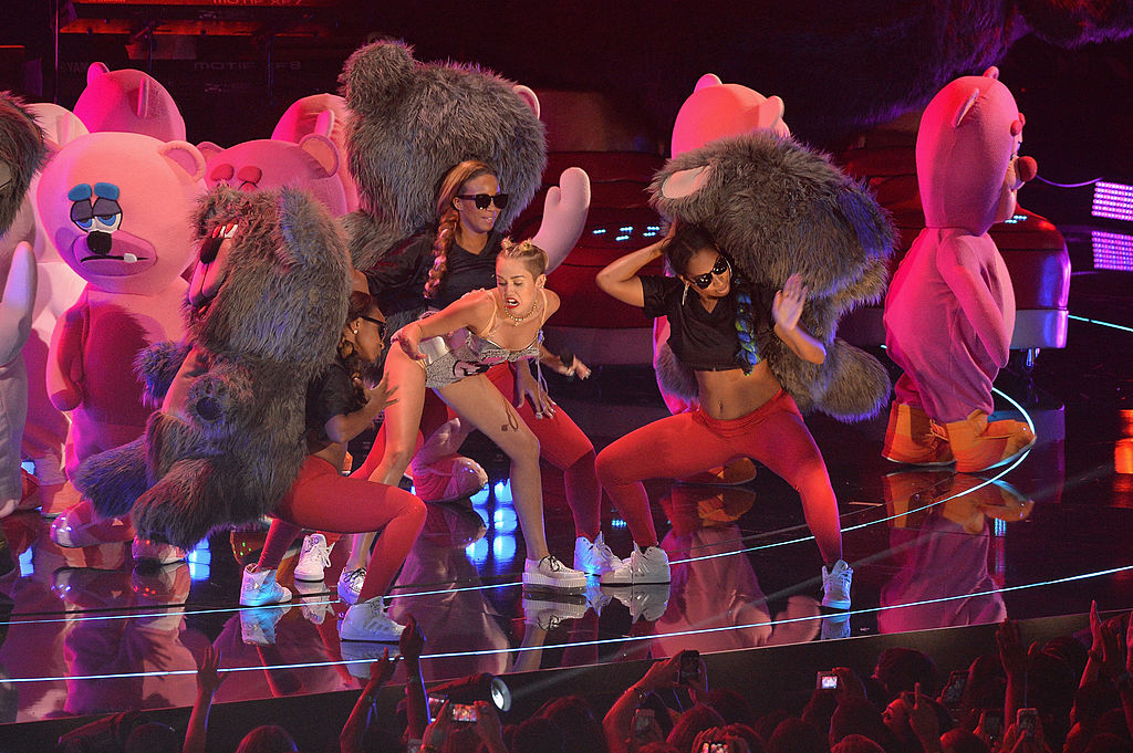 Miley Cyrus Talks About Experiencing Body Dysmorphia After 2013 VMA's Performance
