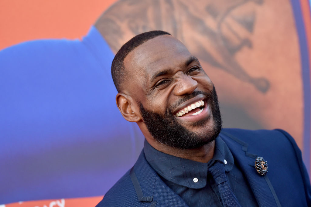 "LeBron James Scared of Starring in"" Dumb Movie,"" Replaces Michael Jordan on 'Space Jam'"