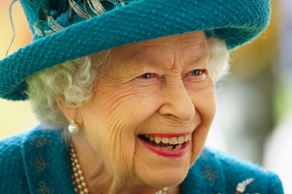 Queen Elizabeth II Unrecognized By American Tourists? Her Majesty's Reaction Unfolds By Former Officer