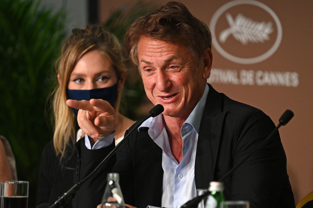 Sean Penn's 'Flag Day' Failed To Get Moviegoers Amid Premiere, Actor's Discriminative Statement Was The Reason?