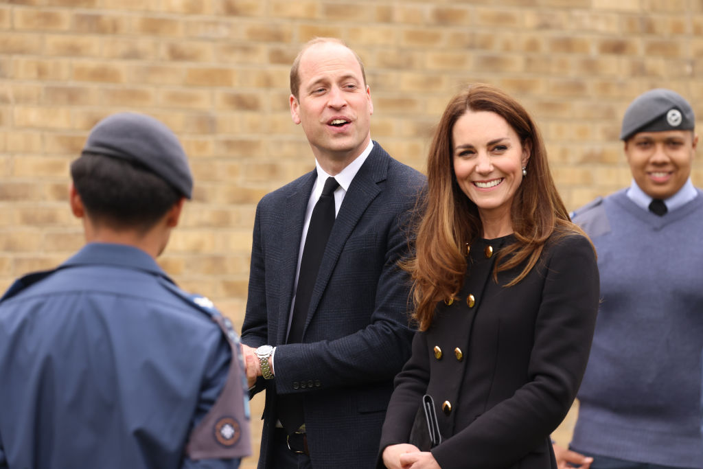 Kate Middleton, Prince William To Move In Near Childhood Home, Property Costs Larger Than UK Annual Salary?