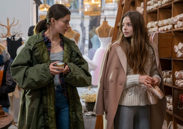 Diana Silvers and Kristine Froseth In Birds of Paradise