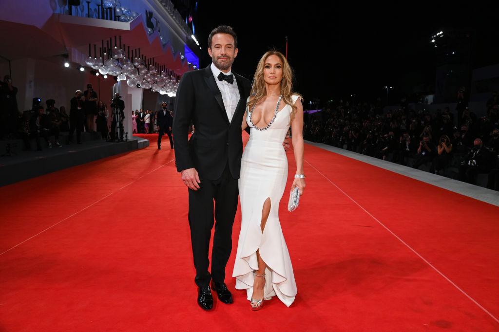 J.LO, Ben Affleck Plans On Eloping In Secret Rather Than Big Weddings? [REPORT]