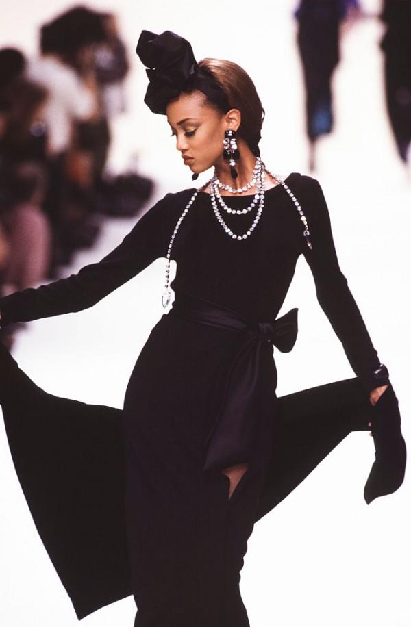 Yves Saint Laurent - Runway - Ready To Wear Fall/Winter 1992-1993